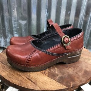 Dansko MARCELLE Leather Mary Jane Clogs 36 6 brown